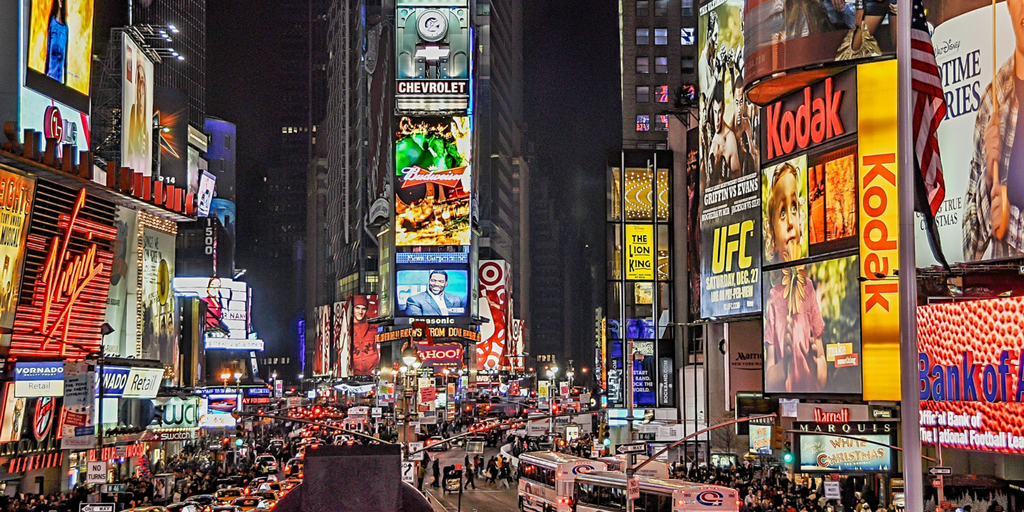 BBTV Blog 03 YouTubeやFacebookにおける企業の広告費が2022年までに130%増加予測